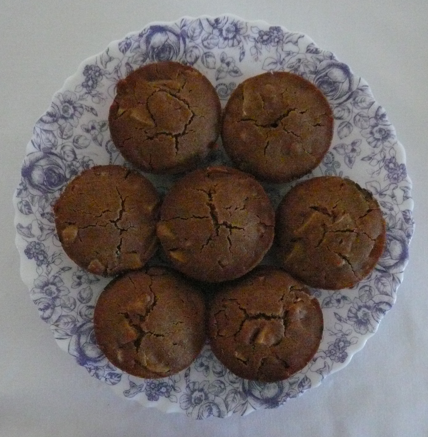Apple and mango muffins in a plate
