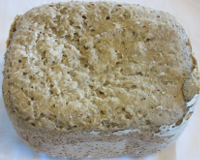 Spelt bread with seeds