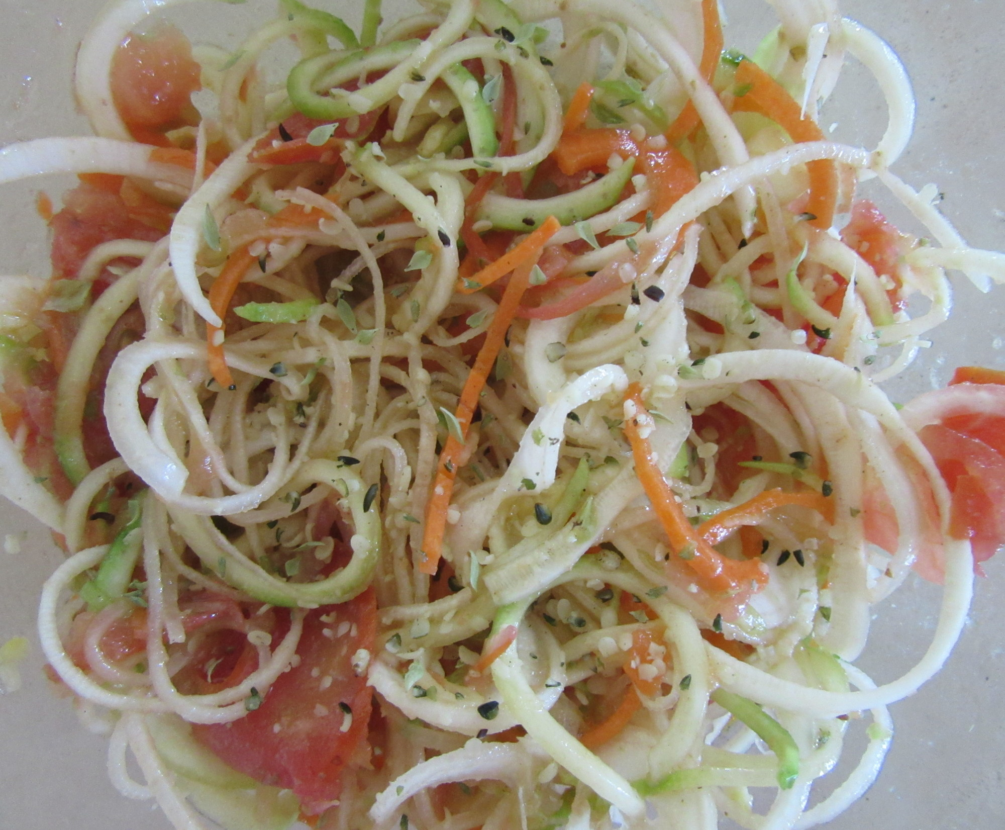 Salad with spiral vegetables.